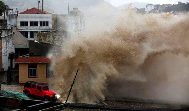 Через наближення тайфуну евакуювали майже мільйон китайців