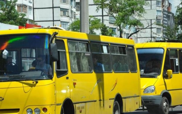 Слишком дешево: украинские маршрутчики объявили бойкот