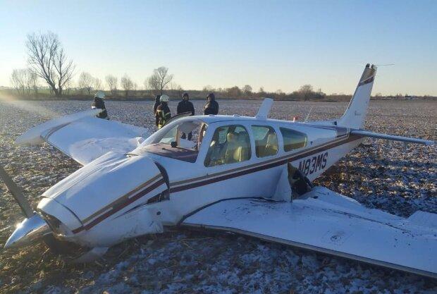Падение самолета на Киевщине, фото Национальная полиция