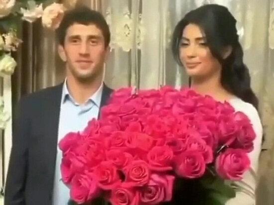 Чемпіон світу з вільної боротьби Сідаков за волосся виволік наречену з весілля, гості поділились враженнями