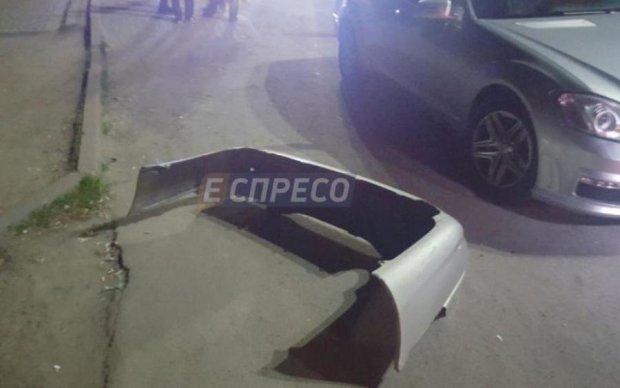 Моторошна ДТП в Києві: Lexus збив трьох пішоходів, водій утік