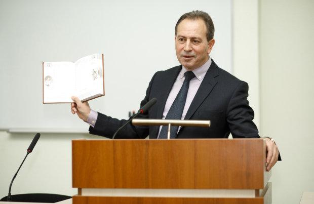 Томенко зірвав маски із кандидатів: олігарх і президент – речі несумісні, українці тиснуть руку
