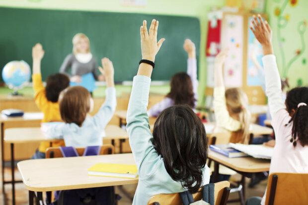 Отравление школьников в Ровенской области, фото: Твоє місто