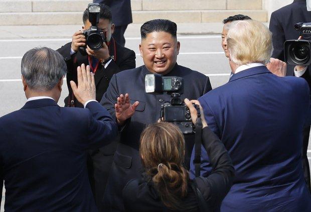 Кім Чен Ин офіційно очолив КНДР