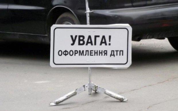 Медведев – учителям: не надо врать, вам платят больше