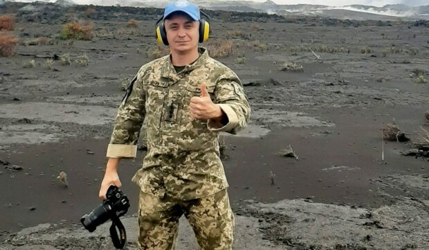 """Экстремал из Тернополя сунул голову в кратер вулкана, даже смотреть страшно: """"Лава клокочет"""""""