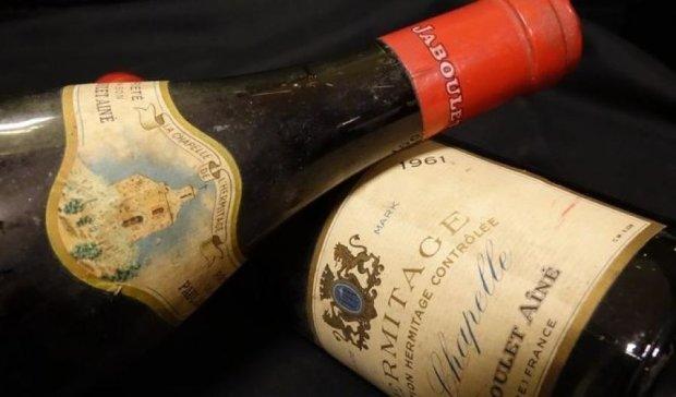 Австрієць виклав за пляшку вина цілий статок