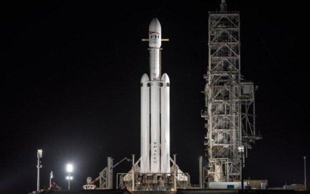 Це просто неймовірно: божевільні кадри старту Falcon Heavy