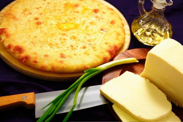 Рецепт найсмачнішого пирога з сиром за 6 хвилин: для тих, кому вічно нема коли