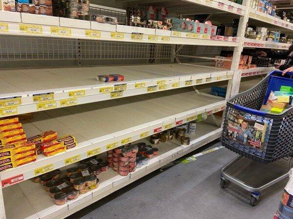 """апокалипсис"" в магазинах Чехии, фото: apostrophe"