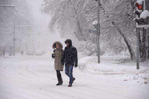 Божевільна стихія остаточно добила українців: засипало снігом, масштаби лиха вражають