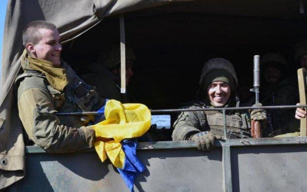 Главное за ночь: тайные переговоры с Путиным и украинский флаг над Донбассом