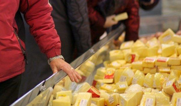 Вместо экспорта в Россию датчане раздадут сыр бездомным