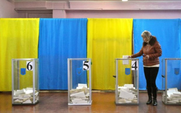 """БПП, """"Батьківщина"""" та """"Наш край"""", - ЗМІ назвали переможців виборів у ОТГ"""