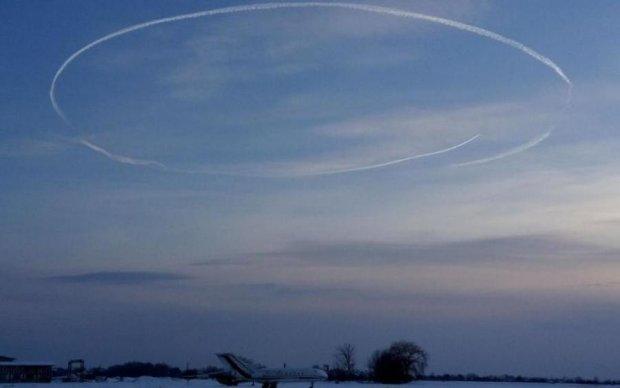Очередной НЛО пролетел по небосводу: фото