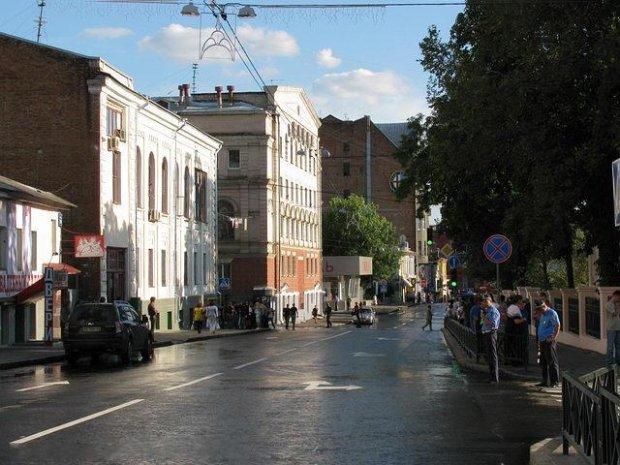 На Харківщині хлопчик втік від прийомних батьків: краще вулиця, ніж таке дитинство