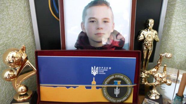 """""""Йому навіки 15"""": харківські музиканти вшанували пам'ять загиблого в теракті школяра, відео до сліз"""