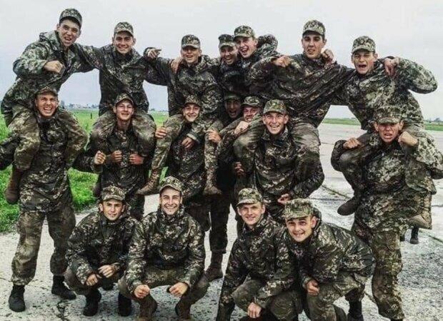 """Украинцам показали, кем были и о чем мечтали погибшие курсанты: """"Счастливые и улыбчивые"""""""