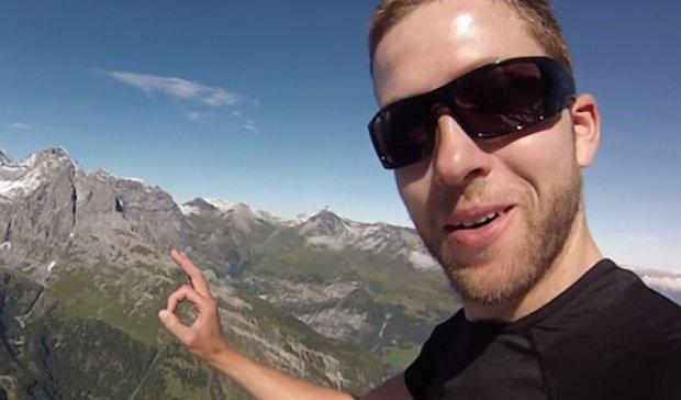 Итальянец пролетел сквозь двухметровую трещину в скале (видео)