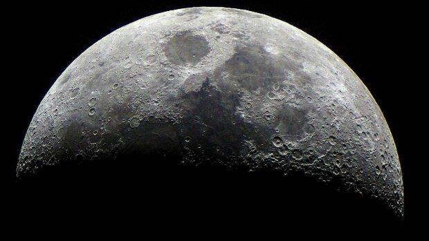 Китайцы впервые в истории покажут темную сторону Луны и посадят на ней картошку