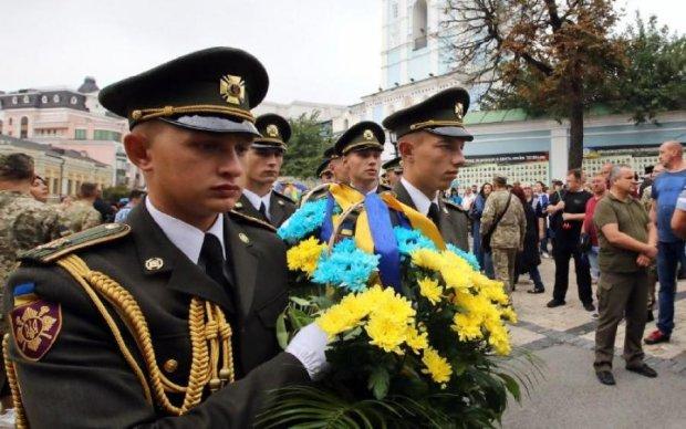 """""""Путин, за Иловайск ответишь"""": сотни украинцев приняли участие в акции памяти"""