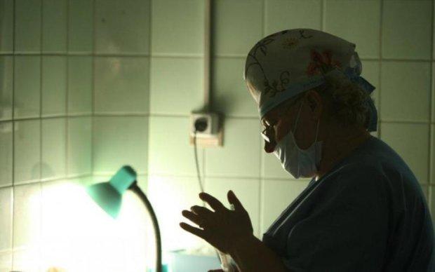 Лекарства не существует: смертельный вирус косит украинцев сотнями