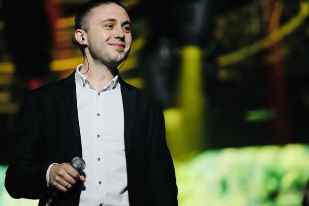 """Лідер гурту """"Антитіла"""" Тополя назвав причину усіх бід Харкова: """"Багато людей живе..."""""""