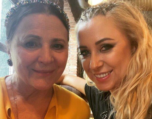 Тоня Матвієнко з мамою, фото з Instagram