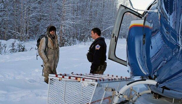Неделями жил в снежной пещере: на Аляске спасли современного Робинзона, подробности