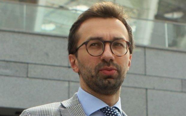 Депутат Лещенко оставил человека без машины, теперь он герой