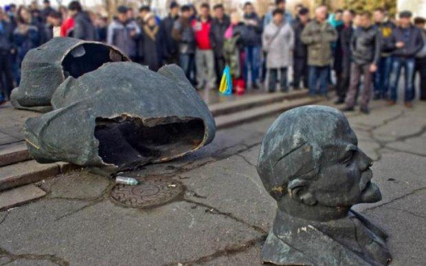 Війна, кажете: український депутат вітає російських солдатів зі святом