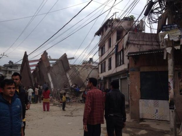 Сильнейшее за 80 лет землетрясение произошло в Непале
