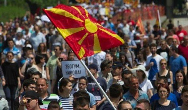 В Македонии тысячи людей вышли поддержать премьера