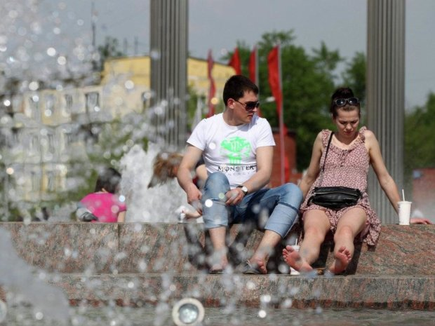 В Україну йде 30-градусна спека: хто завтра зможе позасмагати