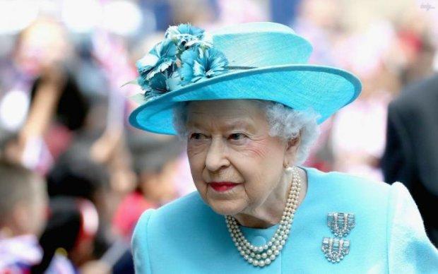Королева Елизавета II напугала мир