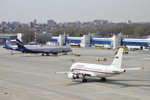 Літак екстрено сів через росіянина з пістолетом: пасажири запам'ятають політ надовго