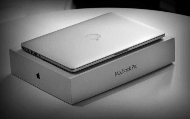Apple бросила владельцев новых MacBook Pro у разбитого корыта
