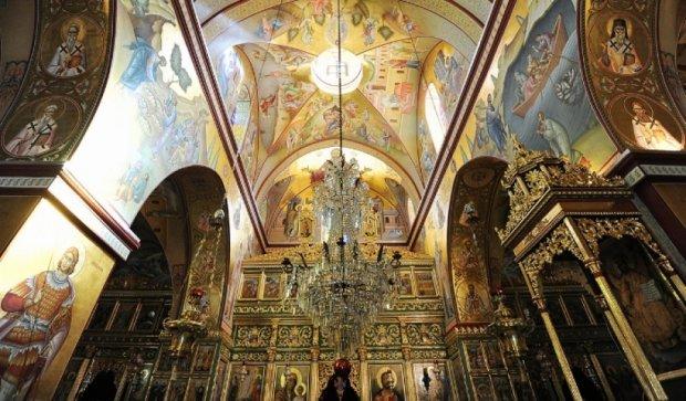 Для росіян релігійні переконання важливіші за свободу слова