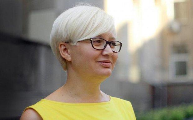Замашки Фаріон: скандальна Ніцой відбирала гроші за російську мову