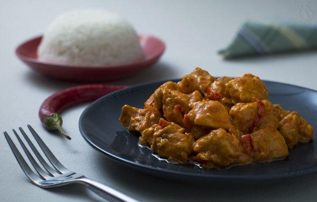 Пикантный рецепт курицы карри с томатной пастой