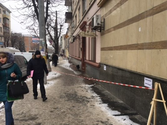 На Полтавщине ледяная глыба травмировала 6-летнего ребенка: медики пытаются вывести из комы