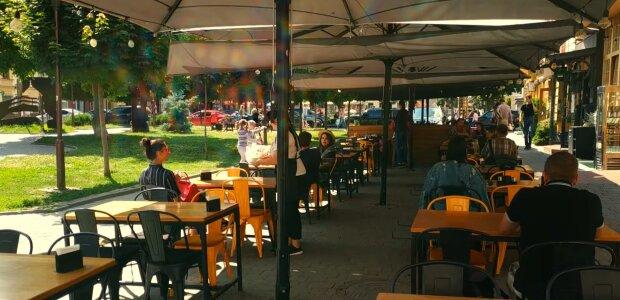 Во Франковске заработают рестораны, но поужинать удастся не всем - названы условия
