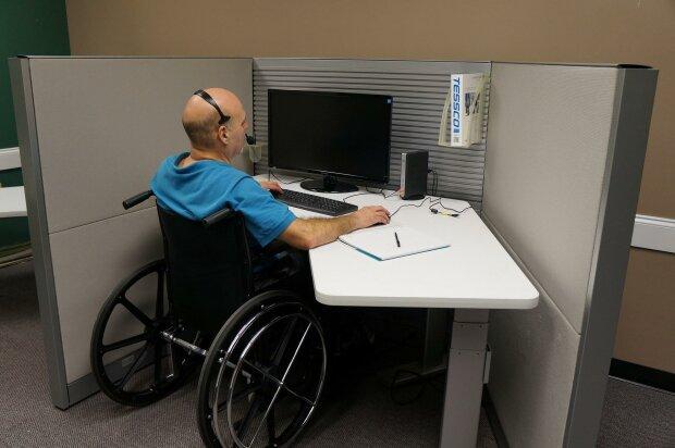 Ты не имеешь права опустить руки: энтузиаст с инвалидностью открыл свой бизнес вопреки всему, мотивирующее видео