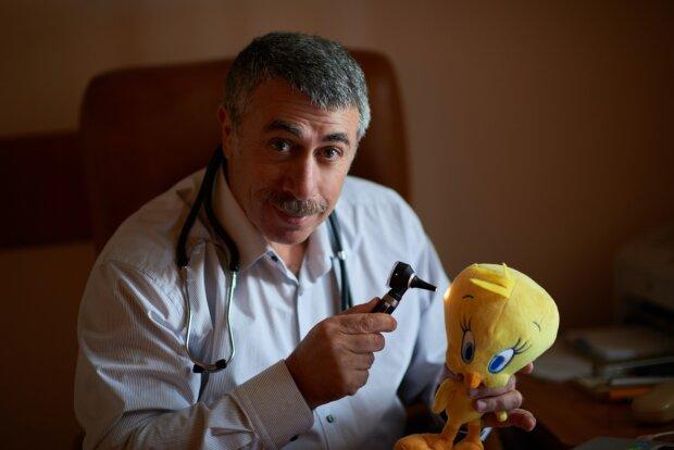 """Доктор Комаровський розказав, як правильно годувати дитину: до чого може привести """"синдром чистої тарілки"""""""