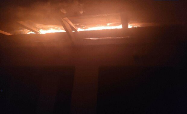 В Днепре трое детей едва не сгорели заживо, пока родители прощались на вокзале