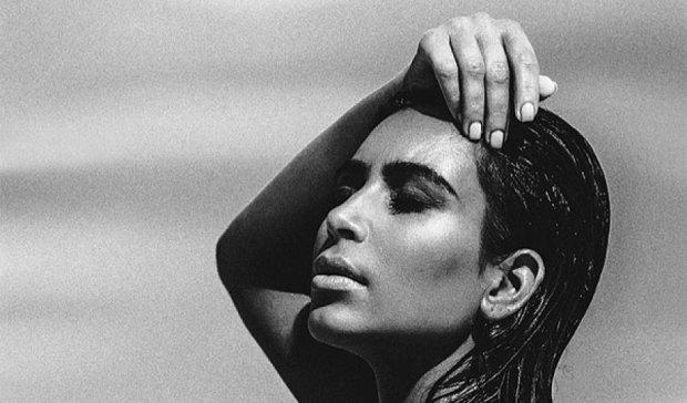 Беременная Ким Кардашьян снялась обнаженной для глянцевого журнала (фото)