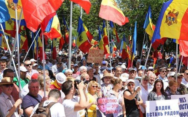 Молдова взбунтовалась против Додона