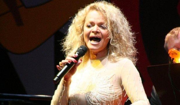 Лариса Долина начала петь без голоса