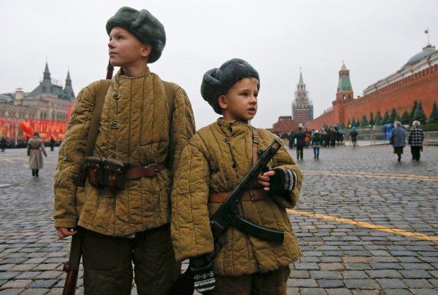 """Зрозуміти душу """"ватника"""": українці пропонують обмежити права любителям Путіна"""