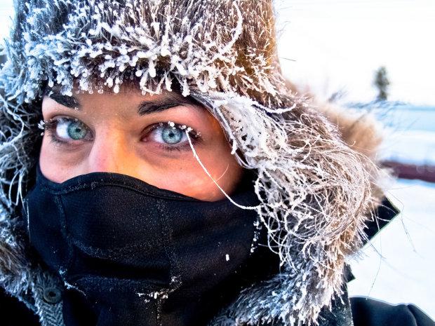 В Twitter обсуждают странный лайфхак, который защитит от мороза. Многих он веселит, а некоторых даже пугает